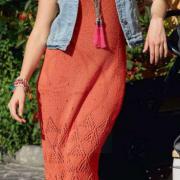 Как связать спицами длинное платье-майка с ажурным узором