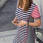 Как связать спицами летнее платье в цветную полоску