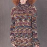 Как связать спицами платье-свитер до колена из меланжевой пряжи
