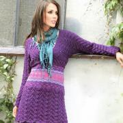 Как связать спицами платье с жаккардовым узором