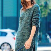 Как связать спицами теплое платье с открытой спиной