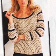 Как связать спицами бежевый пуловер с черной окантовкой