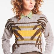 Как связать спицами цветной пуловер в технике интарсия