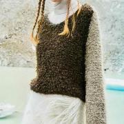 Как связать спицами цветной пушистый пуловер реглан