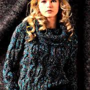 Как связать спицами джемпер с крупными косами  и шарф-снуд