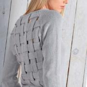 Как связать спицами джемпер из переплетенных полос на спине