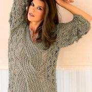 Как связать спицами кружевной пуловер с крупной косой