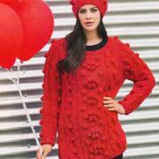 Как связать спицами объемный пуловер с шишечками и шапочка