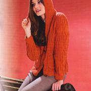 Как связать спицами оранжевый жакет с капюшоном
