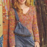 Как связать спицами приталенный пуловер из цветных ниток