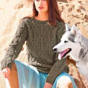 Как связать спицами пуловер с арановым узором