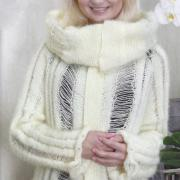 Как связать спицами пуловер с асимметричной длиной и объемным воротником