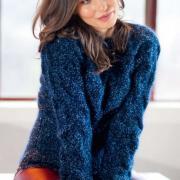 Как связать спицами пуловер единым полотном с узором из «кос»