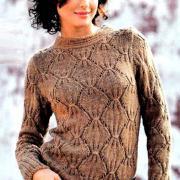 Как связать спицами пуловер с фантазийными ромбами
