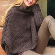 Как связать спицами пуловер-накидка с крупной косой