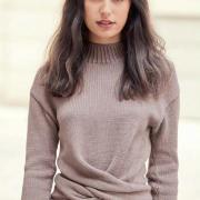 Как связать спицами пуловер с перекрученным передом
