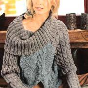 Как связать спицами пуловер-пончо с большим воротником и рукавами из кос