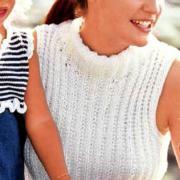 Как связать спицами пуловер без рукавов с воротником-стойкой