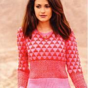 Как связать спицами розовый пуловер с жаккардовым рисунком