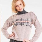 Как связать спицами свитер с цветной вышивкой