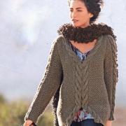 Как связать спицами свитер с декоративными косами