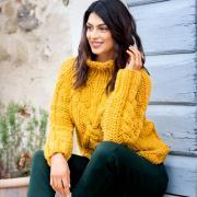 Как связать спицами свитер крупной вязки с «косами»