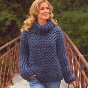 Как связать спицами свитер крупной вязки с узором из сот