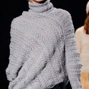 Как связать спицами свитер-пончо с высоким воротником