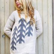 Как связать спицами свободный свитер с контрастным рисунком