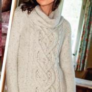 Как связать спицами удлиненный пуловер с крупными «косами» и снуд