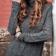 Как связать спицами удлиненный свитер с высоким воротником