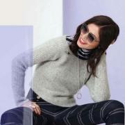 Как связать спицами укороченный пуловер с широким воротником