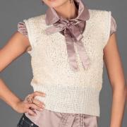 Как связать спицами укороченная безрукавка платочной вязкой