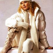 Как связать спицами белый комплект - шарф, шапка и гетры