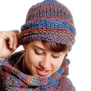 Как связать спицами цветная шапочка с отворотом и помпоном