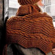 Как связать спицами комплект из шапки и широкого шарфа с косами