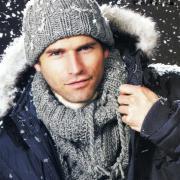 Как связать спицами мужская шапка с отворотом и снуд
