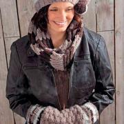 Как связать спицами полосатая шапочка с помпоном, шарфик и муфта