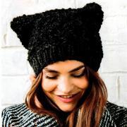 Как связать спицами шапка с кощачьими ушками