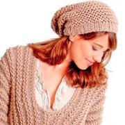 Как связать спицами  шапка-мешок крупной вязки