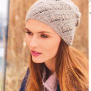 Как связать спицами женская шапка с диагональным узором