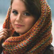 Как связать спицами цветной шарф-хомут