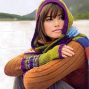 Как связать спицами цветной шарф-капюшон