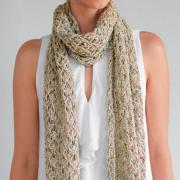 Как связать спицами длинный бежевый шарф с ажурными узорами