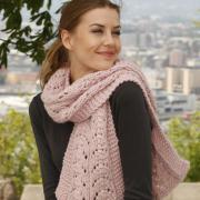 Как связать спицами длинный шарф с большим объемом и узором