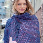 Как связать спицами двухцветный платок с ажурным узором