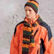 Как связать спицами мужской комплект из шарфа, шапки и варежек в полоску