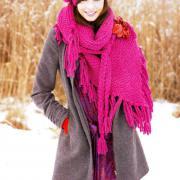 Как связать спицами розовые шаль и берет