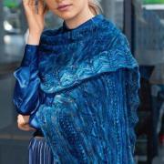 Как связать спицами широкий платок с ажурной каймой