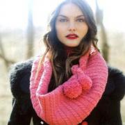 Как связать спицами широкий шарф с косами